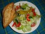 Griechischer Salat + Baguette
